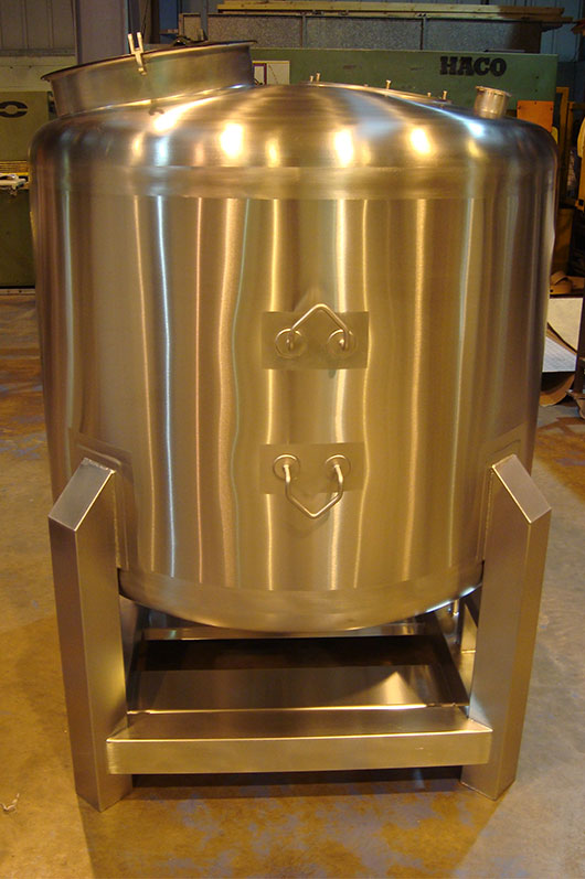 Stainless Steel Round IBCs and Pressure Vessels for use in the food, chemical and pharmaceutical sectors.