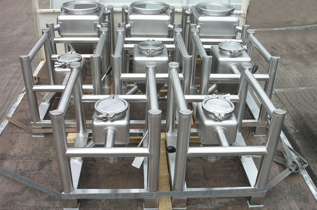 Intermediate bulk containers for laboratory conditions